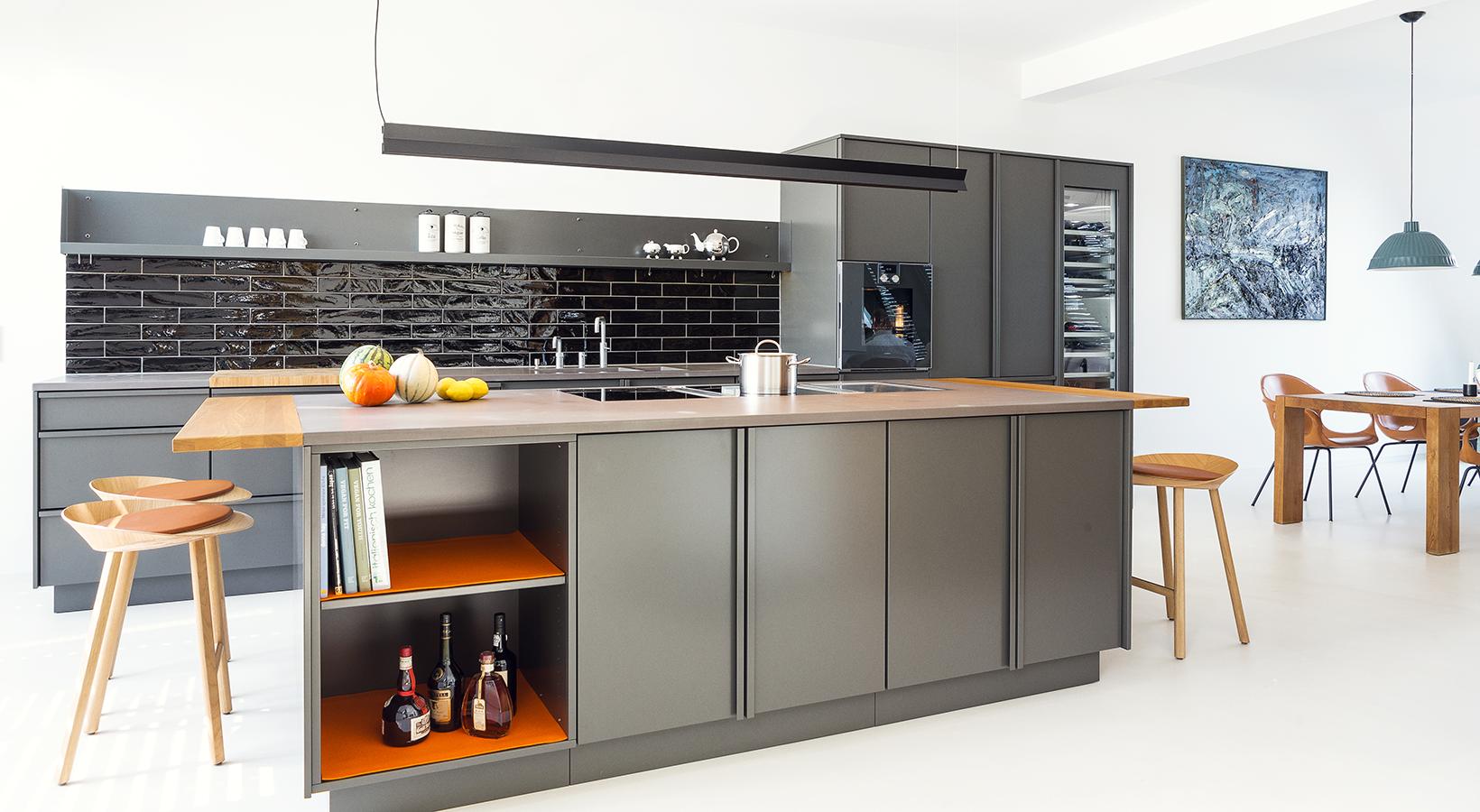 bora steckdose pfefferstahl popstahl. Black Bedroom Furniture Sets. Home Design Ideas
